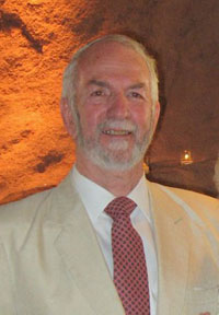 Dr. Álvaro F. Espinosa